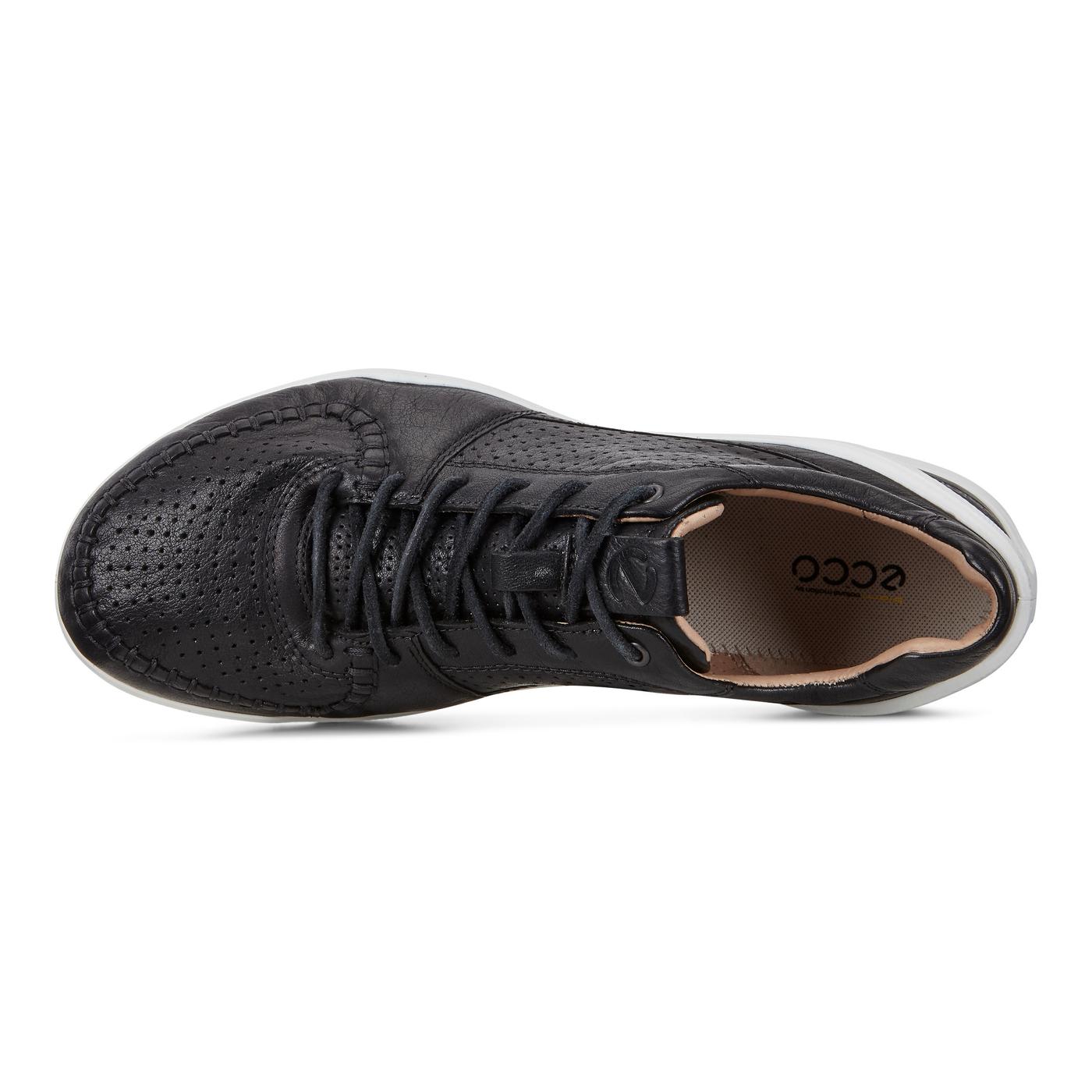 ECCO BIOM STREET Mens Roadmaster Sneaker